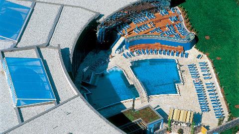 Zunanji bazen (Termalni tempelj)